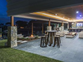 Feature outdoor bar